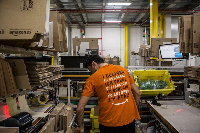 Gli operai e i facchini scioperano per la loro salute