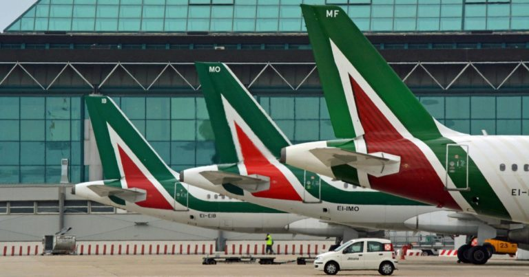 """il call center di Alitalia è un pollaio"""
