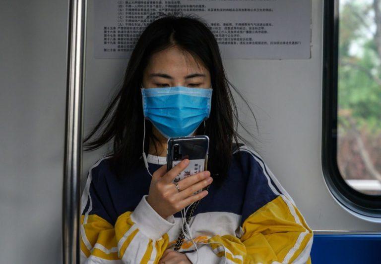 """In Cina 11 milioni di persone tornano in quarantena: Coronavirus """"importato"""" da una studentessa"""