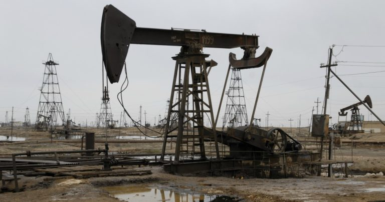 Petrolio, cosa c'è realmente dietro il crollo del prezzo