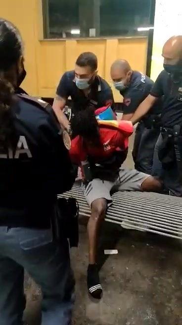 FERMATO RIDER A GRECO PIRELLI: VOLEVA TORNARE A CASA!